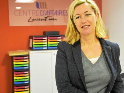 Photo portrait Nadège Guilloux Ménardais fondatrice dirigeante Centre d'Affaires Lorient mer à Lorient La Base location bureaux entreprises domiciliation salle réunion à louer