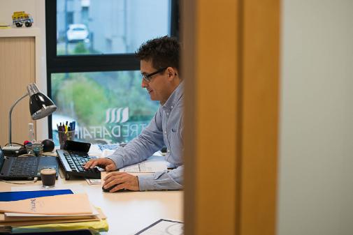 Bureau individuel centre affaires lorient mer à louer location salles réunion domiciliation entreprise coworking autoentrepreneur